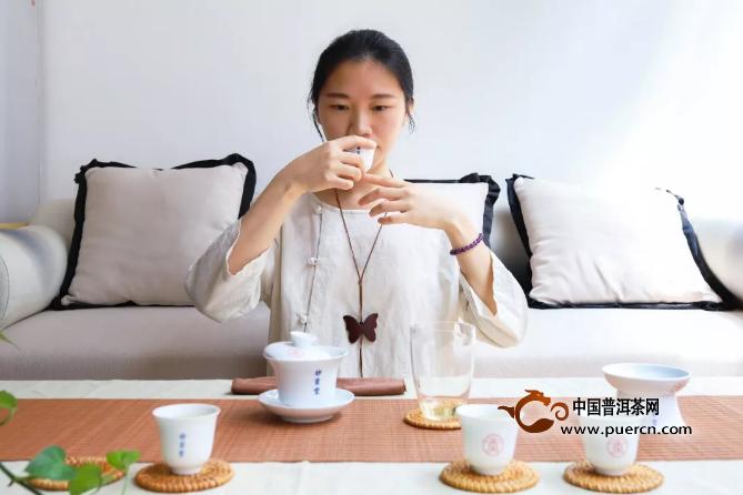 不同条件下冲泡福鼎白茶,区别在哪里?