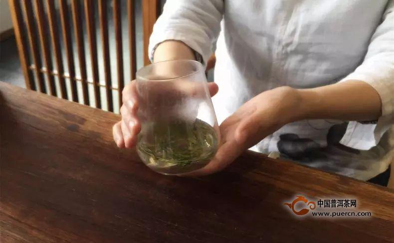 龙井怎样泡才更好喝?专业茶人为您示范泡法