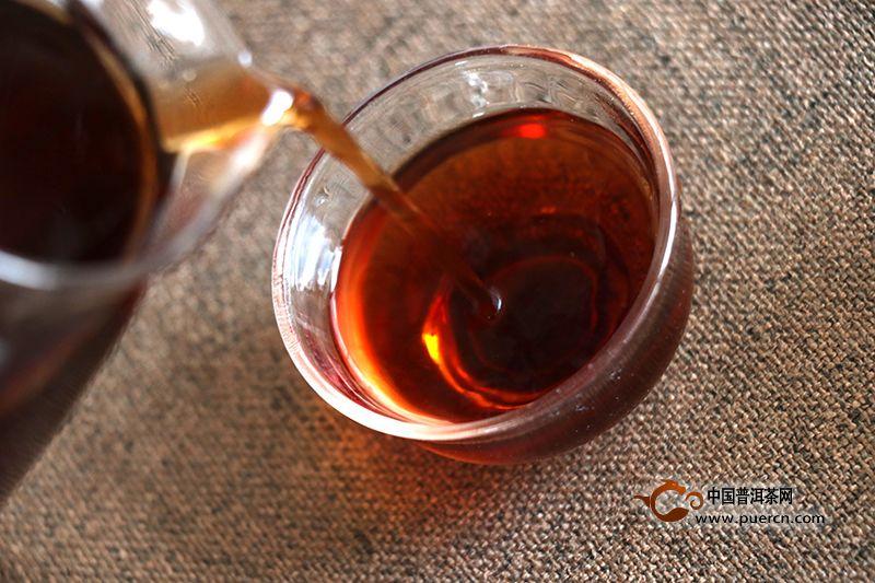 熟茶冲泡:教你怎样正确善待普洱熟茶