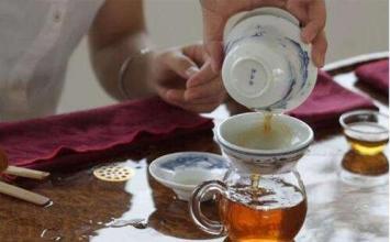 冲泡六堡茶为什么要洗茶两遍呢?