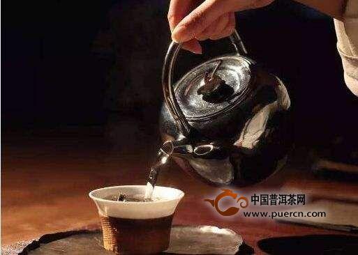 阴雨天冲泡六堡茶味道不佳,该如何处理?