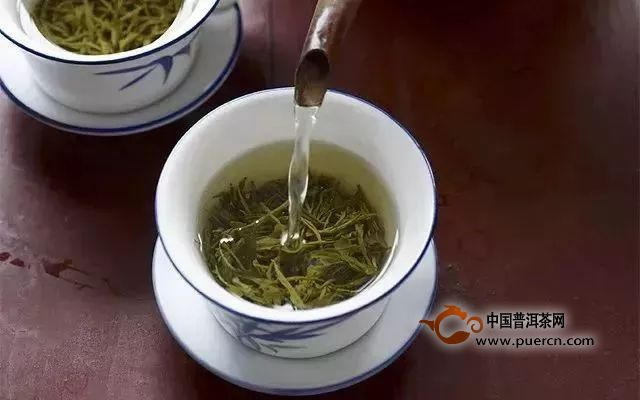 泡茶的注水方式对茶滋味的影响