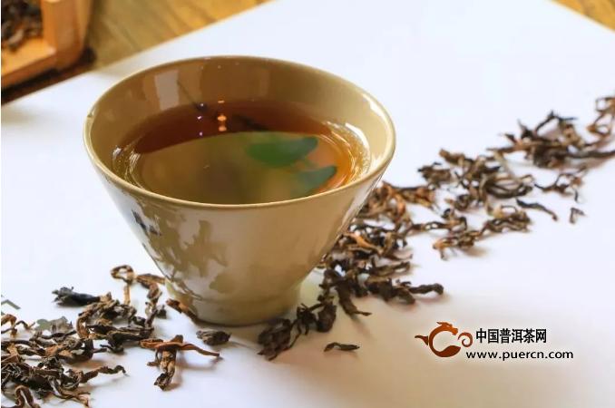 普洱茶是养生茶,老中医告诉你普洱茶功效到底有什么