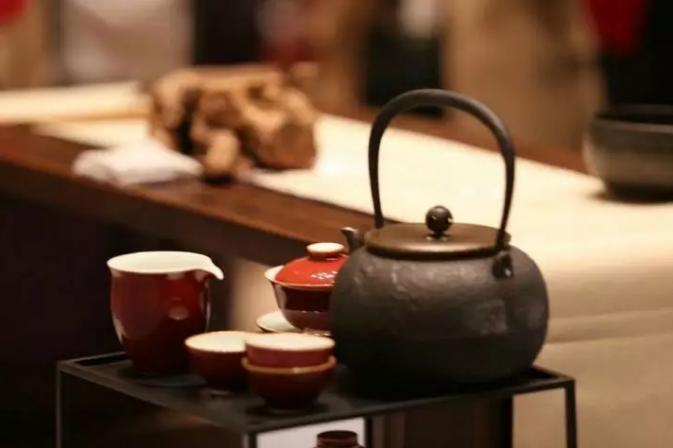 昔日的茶马驿站再次火爆,却不是因为普洱茶