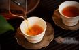 茶汤的粘稠度和厚度有什么不同?