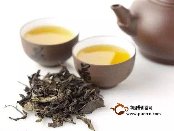 乌龙茶的分类:   闽北乌龙茶:   闽北乌龙茶主要是岩茶,主要产区在武夷山区,当地的环境极为适合茶树生长,主要盛产的有两种,武夷岩茶和闽北水仙,武夷岩茶是我国十大名茶之一,大家较为熟知.
