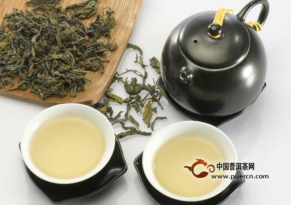 喝茶   喝茶利尿,推荐有乌龙茶、绿茶、红茶等.