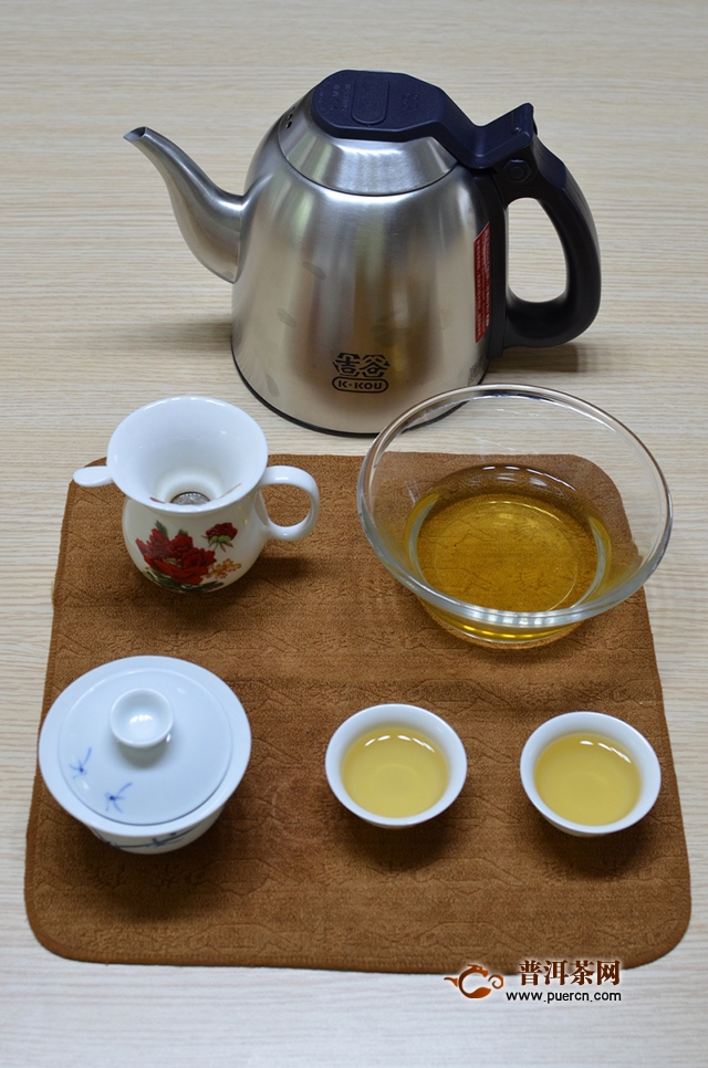 吉普号解惑,一款好口粮茶|2018年吉普号413冰岛蛮峻龙珠评测报告