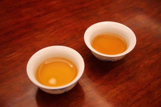 """特别的爱给特别的您,2006年特制茯茶陪您""""粽""""情过端午!"""