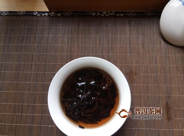2018年润元昌手撕铁饼熟茶150克试用品鉴报告