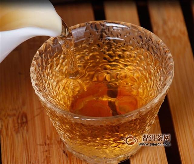 泡老白茶用什么茶具?玻璃杯、盖碗等均可!