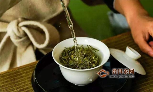龙井泡茶的步骤,一般有温杯,盛茶等6个步骤!