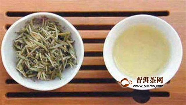 茶叶受潮   茶在制作过程中干燥不够彻底,雨天及储存环境潮湿也会