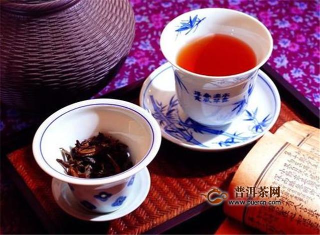 红茶和绿茶用什么器皿冲泡最好