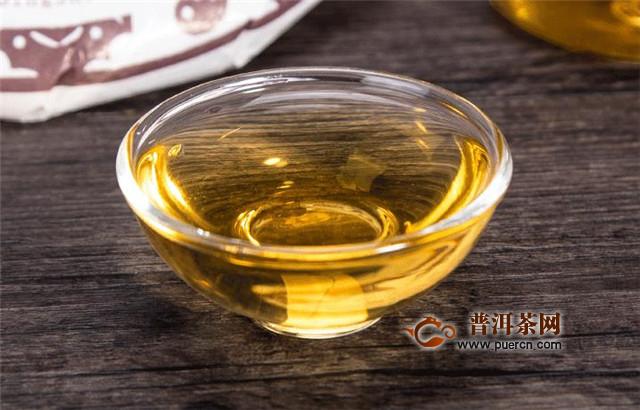福鼎白茶的工艺流程,基本工艺包括萎凋、烘焙等工序