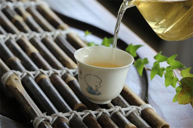 难得的休闲,就藏在一杯茶中