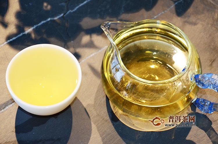 巴达山章朗普洱茶