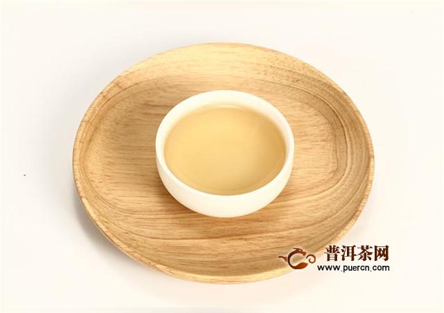 白毫银针好喝吗?茶汤是淳的、滑的!