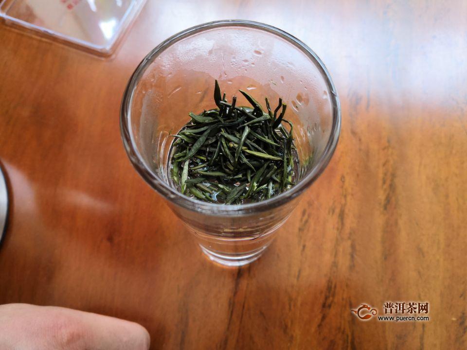 西湖龙井是先放水在放茶,还是先放茶在放水