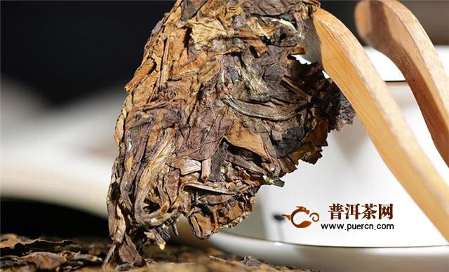 福鼎白茶饼如何储存?撬茶饼是这样做才能保存好!