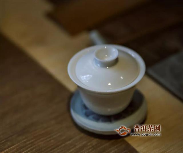 福鼎白茶饼如何冲泡?出水速度是关键