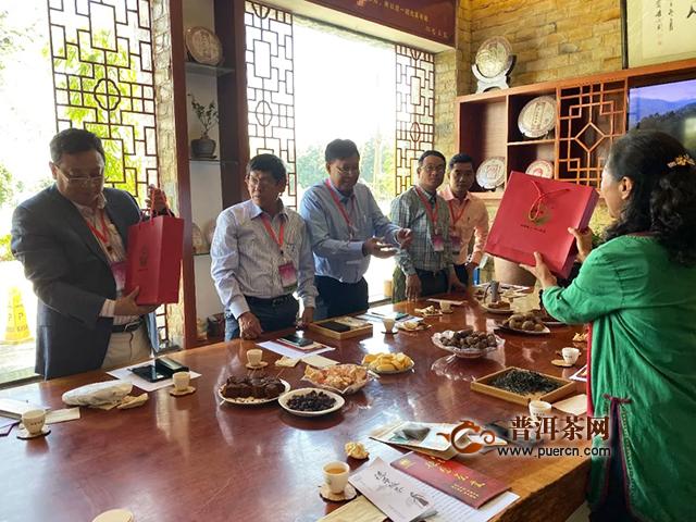 茶无国界!缅甸考察团考察德凤茶业有限公司
