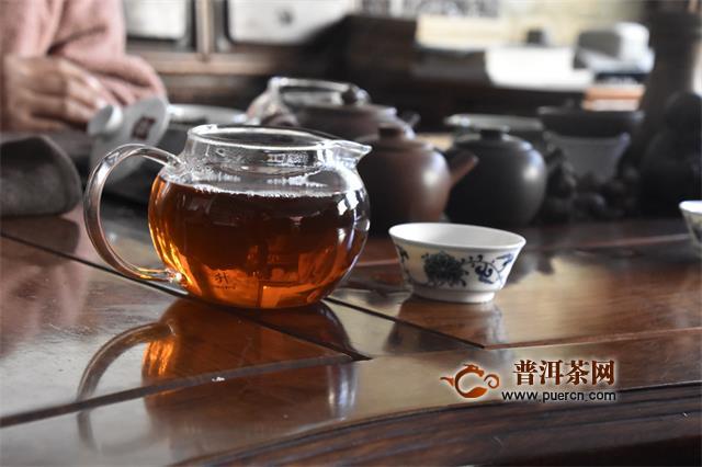 沏一壶茶,水漫,茶透