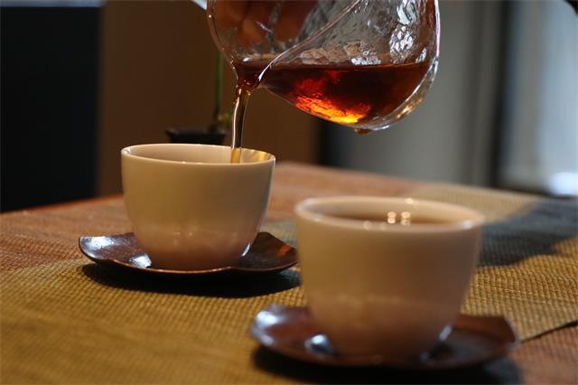 创新中国茶 首创AI识茶技术 多个茶饮品牌开旗舰店