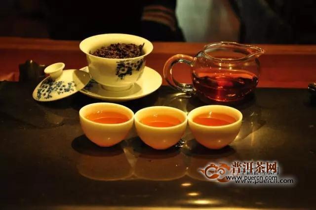 女性喝红茶好还是喝普洱茶好?