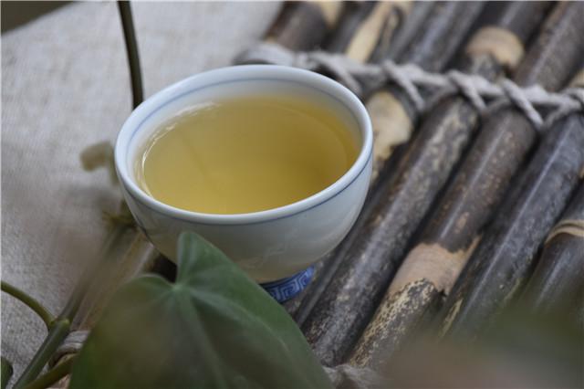 """""""茶与中医的养生之道""""讲座在比利时布鲁塞尔举办"""
