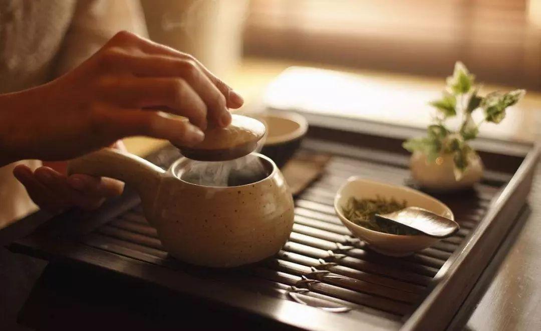 黑茶、绿茶、红茶、乌龙茶哪个最刮油?
