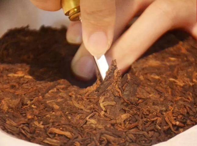 普洱散茶更为方便,为何茶企还要做成饼状?