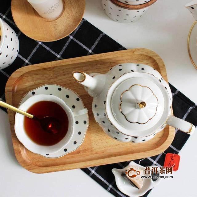 带上精美的茶具,和闺蜜们聊一个惬意下午茶