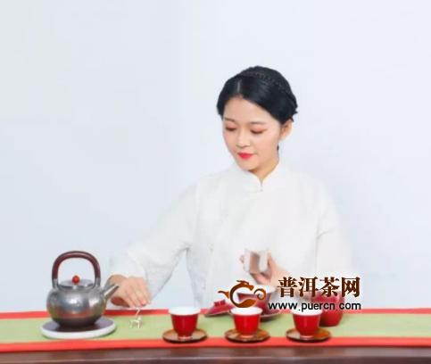 年仅21岁却已是茗星茶艺师年度总决赛冠军