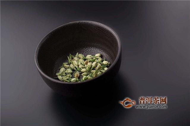 菊花茶用多少度的水来泡?