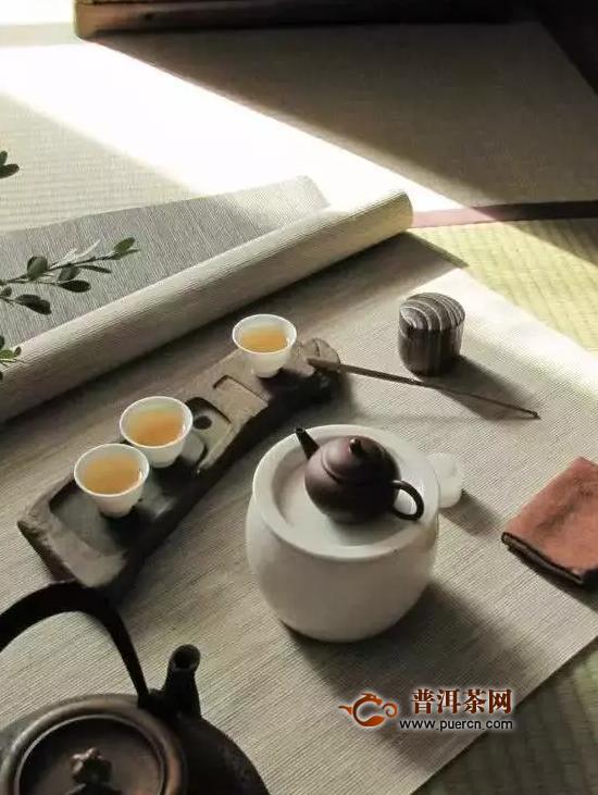 一口就能喝出茶树树龄和年份的大师,我信你个鬼