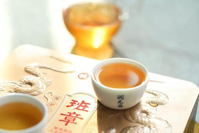 润元昌茶业:闲赋在家,水沸炉暖煮茶香,享受慢慢时光