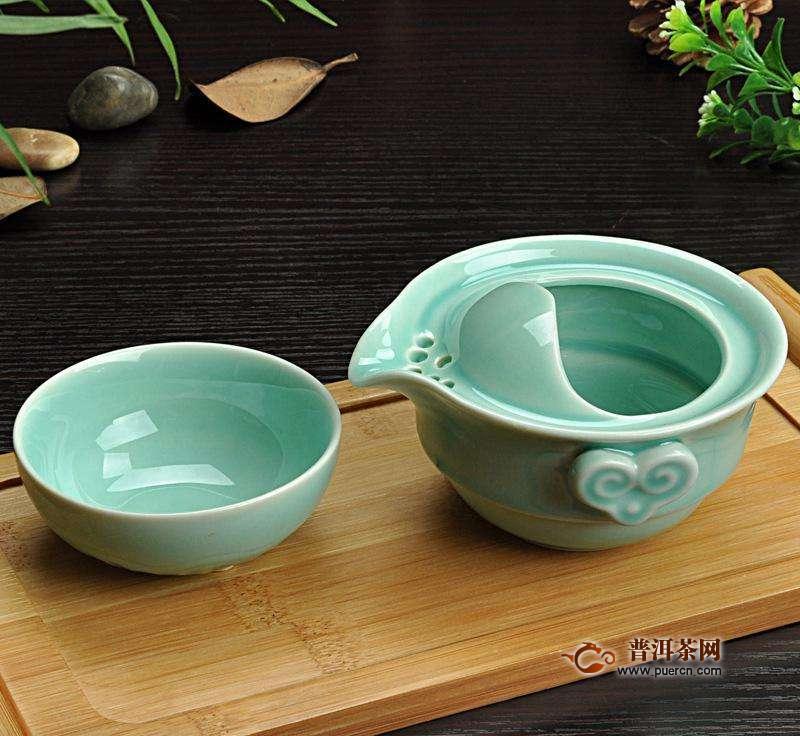 青瓷茶具的使用方法