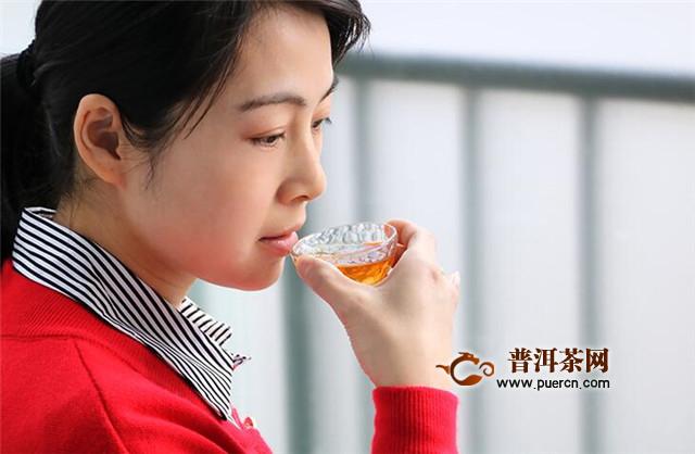 福鼎白茶饼怎么喝?要观形、色,闻香,论境!