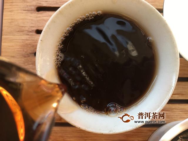 茶汤浓稠厚滑,糯感强,醇厚:2018年七彩云南吉岁亥猪试用报告