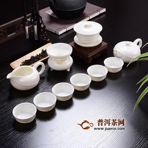 白瓷茶具上的茶渍怎样去除?