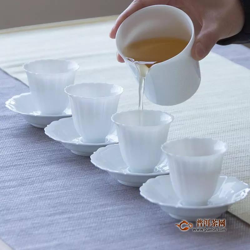 白瓷茶具使用注意事项