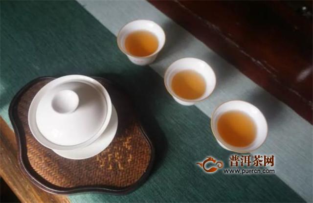 白茶用什么茶具泡最佳?品鉴白茶就用盖碗