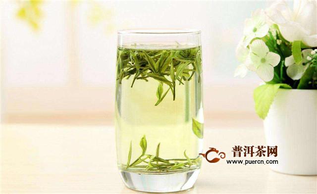 喝绿茶用什么杯子好?玻璃杯、白瓷杯