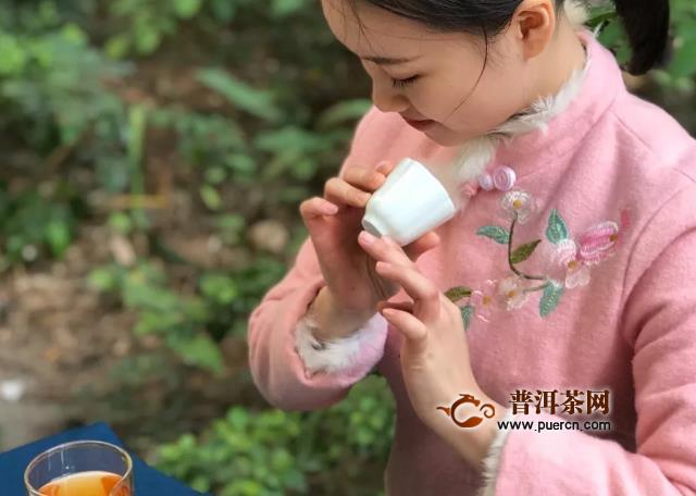 黄茶用什么茶具?奶白瓷、黄釉瓷器等