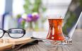 今天多喝茶,将来少吃药!