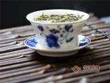 白茶适合用什么茶具?新茶用盖碗、老茶用紫砂!