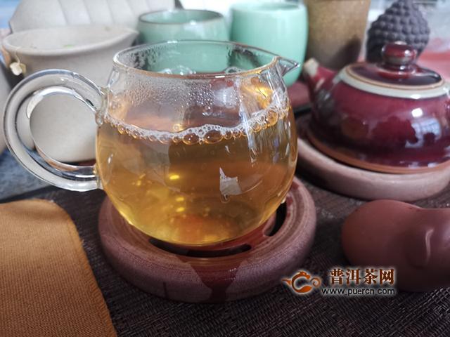 2019年七彩云南茗悦东方生茶试用:悠悠岁月,袅袅茶香,一杯香茗遥敬负重前行者