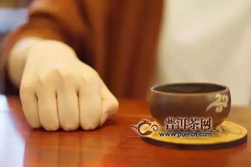 喝茶叩手礼手势