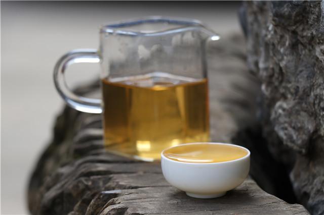 一分钟看懂普洱生茶与熟茶的区别